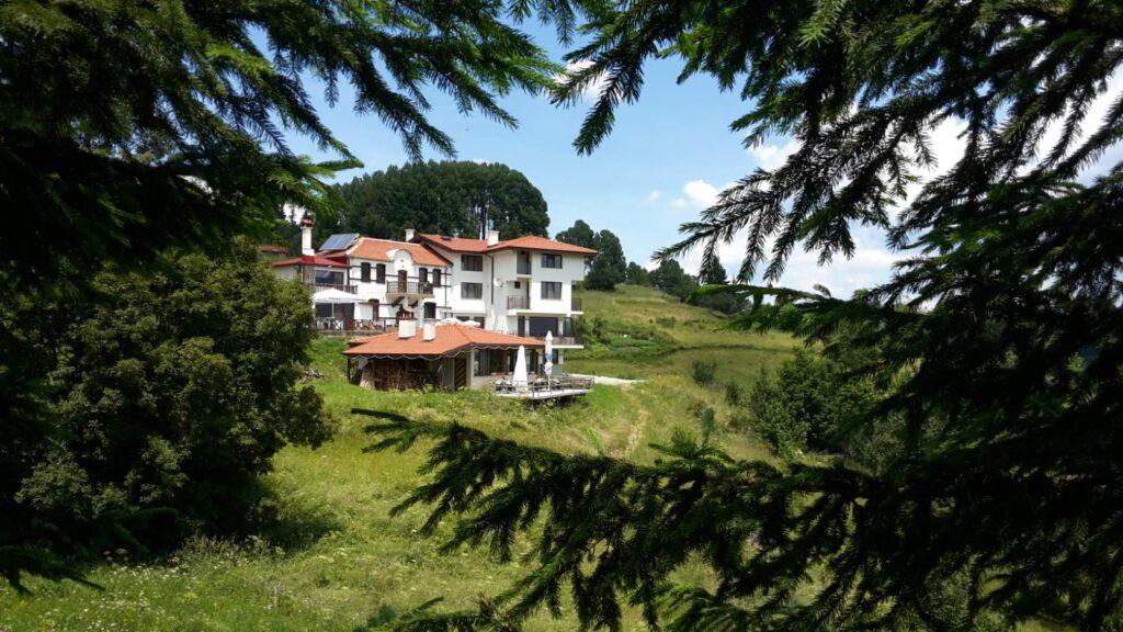 Гела, Панорама, къщи за гости